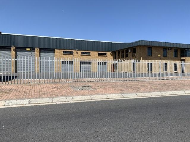 Property For Rent in Milnerton Central, Milnerton 1