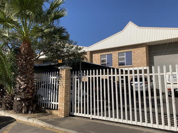 Property For Rent in Killarney Gardens, Milnerton