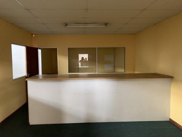 Property For Sale in Montague Gardens, Milnerton 9