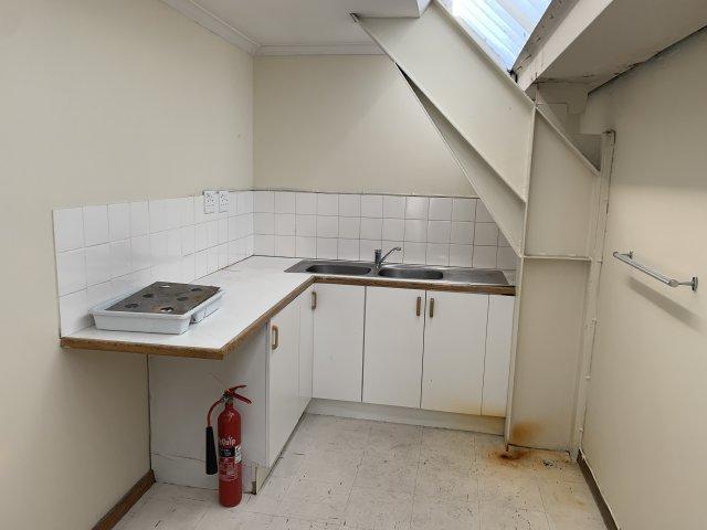 Property For Sale in Montague Gardens, Milnerton 13