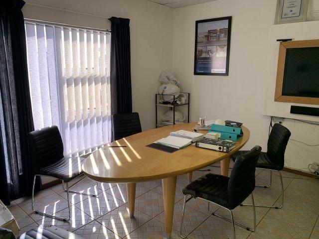 Property For Rent in Killarney Gardens, Milnerton 15